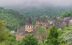 Ancienne abbaye Sainte-Foy - English: View of Saint Faith Abbey Church of Conques, Aveyron, France        This place is a UNESCO World Heritage Site, listed as Chemins de Saint-Jacques-de-Compostelle en France.  العربية | Asturianu | Беларуская | Беларуская (тарашкевіца) | বাংলা | Català | Čeština | Dansk | Deutsch | English | Español | Euskara | فارسی | Français | עברית | Hrvatski | Magyar | Italiano | 日本語 | 한국어 | Latviešu | Македонски | മലയാളം | مازِرونی | Nederlands | Polski | Português | Русский | Slovenčina | Slovenščina | Türkçe | Українська | Tagalog | Tiếng Việt | 中文(简体) | 中文(繁體) | +/−         This building is indexed in the Base Mérimée, a database of architectural heritage maintained by the French Ministry of Culture, under the reference PA00093999 .  বাংলা | brezhoneg | català | Deutsch | Ελληνικά | English | Esperanto | español | euskara | suomi | français | magyar | italiano | 日本語 | македонски | Nederlands | português | português do Brasil | română | русский | sicilianu | svenska | українська | +/−