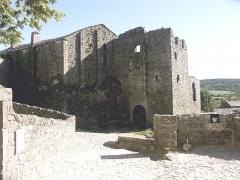 Donjon et les restes du château - Français:   Château de La Couvertoirade