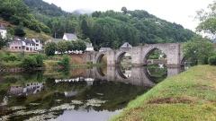 Pont sur la Truyère - English: Bridge in Entraygues-sur-Truyère