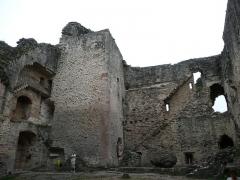 Vestiges du château et sa deuxième enceinte -  Forteress of Najac  Map: 44° 13' 07