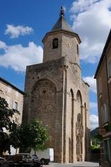 Eglise Saint-Pierre -  Detailshot of the towerfacade of the Church Saint-Pierre at Nant
