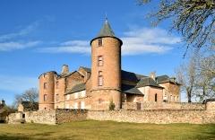 Château et sa chapelle, actuellement église paroissiale - English: Castel of Onet-le-Château