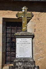 Eglise de Lagnac - English: Cross at the church in Lagnac, Rodelle, Aveyron, France