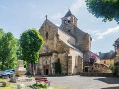 Eglise - English: Saint Eulalia Church of Sainte-Eulalie-d'Olt, Aveyron, France