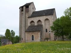 Eglise de Souyris - Français:   Façade sud et clocher de l\'église de Souyri