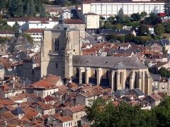 Chapelle des Pénitents Noirs - Français:   Villefranche-de-Rouergue (Occitanie, France). La collégiale Notre-Dame, dans la bastide.