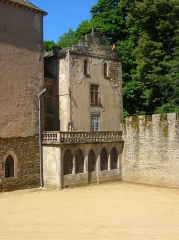 Château - Français:   Le bâtiment des cuisine, remanié en 1860