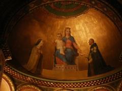 Eglise Notre-Dame-de-l'Assomption - Marie et l'enfant Jésus entre sainte Thérèse et saint Dominique, œuvre en 1867 de Romain Cazes pour la chapelle Notre-Dame du Rosaire, église Notre-Dame de l'Assomption, Bagnères-de-Luchon, Haute-Garonne, France.