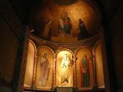 Eglise Notre-Dame-de-l'Assomption - En bas, saint Joseph à gauche et saint Jean l'évangéliste à droite. Peintures en 1867 de Romain Cazes pour la chapelle Notre-Dame du Rosaire, église Notre-Dame de l'Assomption, Bagnères-de-Luchon, Haute-Garonne, France.