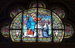 Eglise Notre-Dame-de-l'Assomption - Le vitrail de la chapelle du Sacré-Cœur de Jésus, église Notre-Dame de l'Assomption, Bagnères-de-Luchon, Haute-Garonne, France.