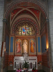 Eglise Notre-Dame-de-l'Assomption - La chapelle du Sacré-Cœur, église Notre-Dame de l'Assomption, Bagnères-de-Luchon, Haute-Garonne, France.Les peintures sont l'œuvre de Bertrand Bernard en 1893.