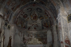 Eglise Sainte-Anne -  The vaulted apse-dome is covered with a fresco of the Assumption of the Virgin, and an interpreted representation of the pentamorph.