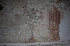Eglise Sainte-Anne - English:  Paintmarks of fresco sweep away by the fall of the plaster.