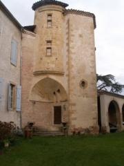 Château - English: Photo of the entrance to the  Latoue's castle (France, Haute-Garonne)