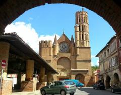Eglise Saint-Victor -  Montesquieu-Volvestre