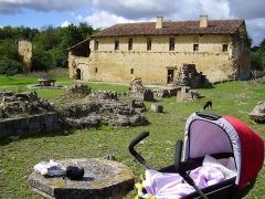 Ancienne abbaye de Bonnefont (également sur commune de Sepx) - Français:   Abbaye de Bonnefont à Proupiary (Haute-Garonne, France