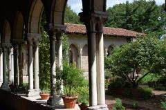 Ancienne abbaye de Bonnefont (également sur commune de Sepx) -  Abbaye cistercienne de Bonnefont-en-Comminges  Cloisters Museum
