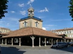 Halle, actuellement office du tourisme -  Le beffroi de Revel (31250), France