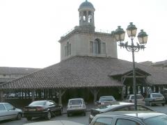 Halle, actuellement office du tourisme - Français:   Halle de Revel