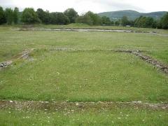 Ruines antiques - Español: Lugar donde se encontraba el templo dedicado a Andossus del Siglo II,  en el yacimiento de la Villa romana de Lugdunum Conuenae.