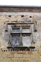 Eglise Saint-Félix - Français:   Presbytère de Saint-Félix-Lauragais, fenêtre à meneaux
