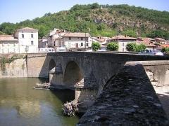 Pont, porte de pont et porte de ville - Français:   Pont sur la Garonne à Saint-Martory (Haute-Garonne, France.