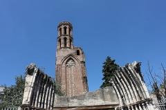 Ruines de l'église des Cordeliers - Français:   Clocher des Cordeliers, couvent franciscain détruit par un incendie en 1871, Toulouse, France