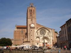Fontaine - Français:   France, Haute-Garonne, Toulouse, Cathédrale Saint-Étienne.