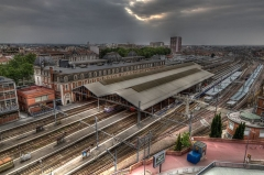 Gare de Toulouse-Matabiau - English: A High Dynamic Range (HDR) aerial view of Gare de Toulouse-Matabiau showing the station building and trainshed.