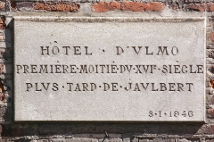 Hôtel dit de Jean de Ulmo - English:  Hôtel d'Ulmo in Toulouse. Plaque on street.