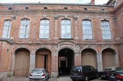 Hôtel de Puivert ou Puyvert - Français:   Cour de l\'hôtel de Puivert