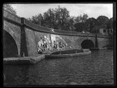 Ponts jumeaux enjambant le canal du Midi et le canal de Brienne -