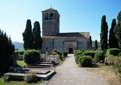 Cimetière - English: Basilique Saint-Just in Valcabrère, and it's cemetary