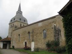 Eglise - Français:   église saint Michel de Galiax