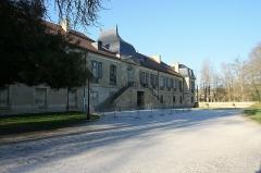 Château - English: Isle de Noé's Castle