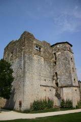 Ruines du château - Dansk: Ruinen af chateauet i Larressingle, Frankrig. (Billedet har Geotag-informationer gemt i EXIF)