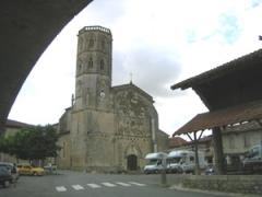 Eglise - Français:   Place de la Mairie - 32120 Monfort