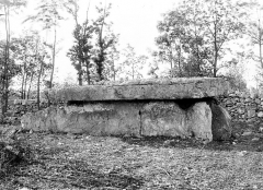 Dolmen - French architectural photographer