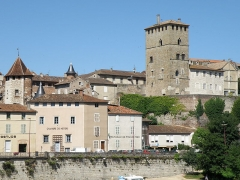Ancien palais de Via connu sous l'appellation Château du Roi, actuelle prison d'Etat - Français:   Cahors (Lot, France). Palais de Via, dit aussi Château-du-Roi, rue du Château du Roi, dans la vieille ville, vu depuis le pont de Cabessut.