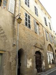 Maison - Français:   Cahors (Lot, France). Rue du Château-du-Roi.