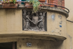 Maison - English: Detail on the wall of the building at 24 Rue Pelegry in Cahors, Lot, France