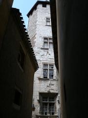 Maison - Français:   Cahors - Tour du collège Pélegri, rue du Four-Sainte-Catherine
