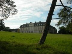 Château de la Pannonie - English: Classic facade of the La Pannonie Castle, between Rocamadour and Gramat (Quercy)