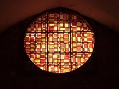 Eglise Saint-Christophe - Français:   Oculus vu de l\'intérieur et situé sur la façade d\'entrée de l\'église Saint-Christophe de Montvalent (Lot)