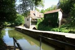 Moulin à eau - Français:   Moulin à eau de Saint-Cirq-Lapopie.