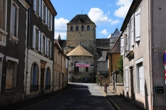 Eglise Saint-Jacques-le-Majeur -  Church of  Salviac and the mainstreet