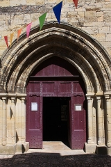 Eglise Saint-Jacques-le-Majeur - Français:   Salviac - Eglise Saint-Jacques-le-Majeur, portail Ouest