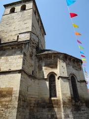 Eglise Saint-Jacques-le-Majeur - Français:   Salviac - Église Saint-Jacques-le-Majeur - L\'abside à cinq pans et le clocher