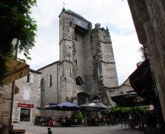 Ancienne église Saint-Martin et son beffroi -  Remains of an old churchtower (eglise St Martin) Souillac