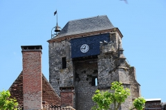 Ancienne église Saint-Martin et son beffroi -  Topdetail of the tower of Eglise st. Martin Souillac with clock at 2 June 2015